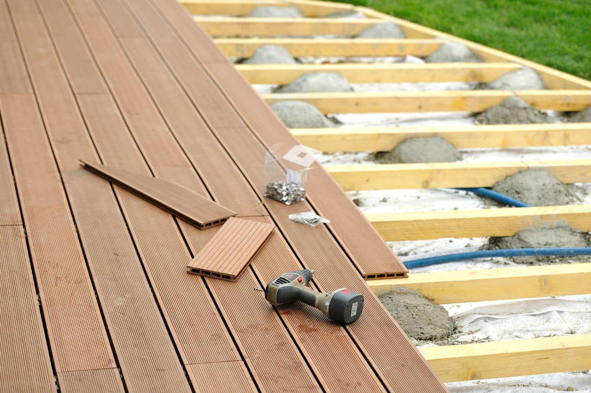 comment faire une terrasse en bois sur terre