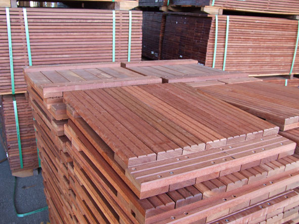 dalles en bois pour terrasse