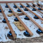 Faire une terrasse en bois sur plots