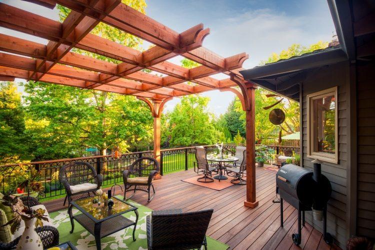 pergola en bois pour terrasse