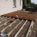 Pose d une terrasse en bois sur terre