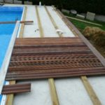 Pose terrasse bois piscine