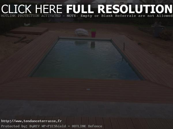 terrasse bois autour piscine