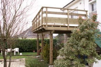 terrasse en bois en hauteur