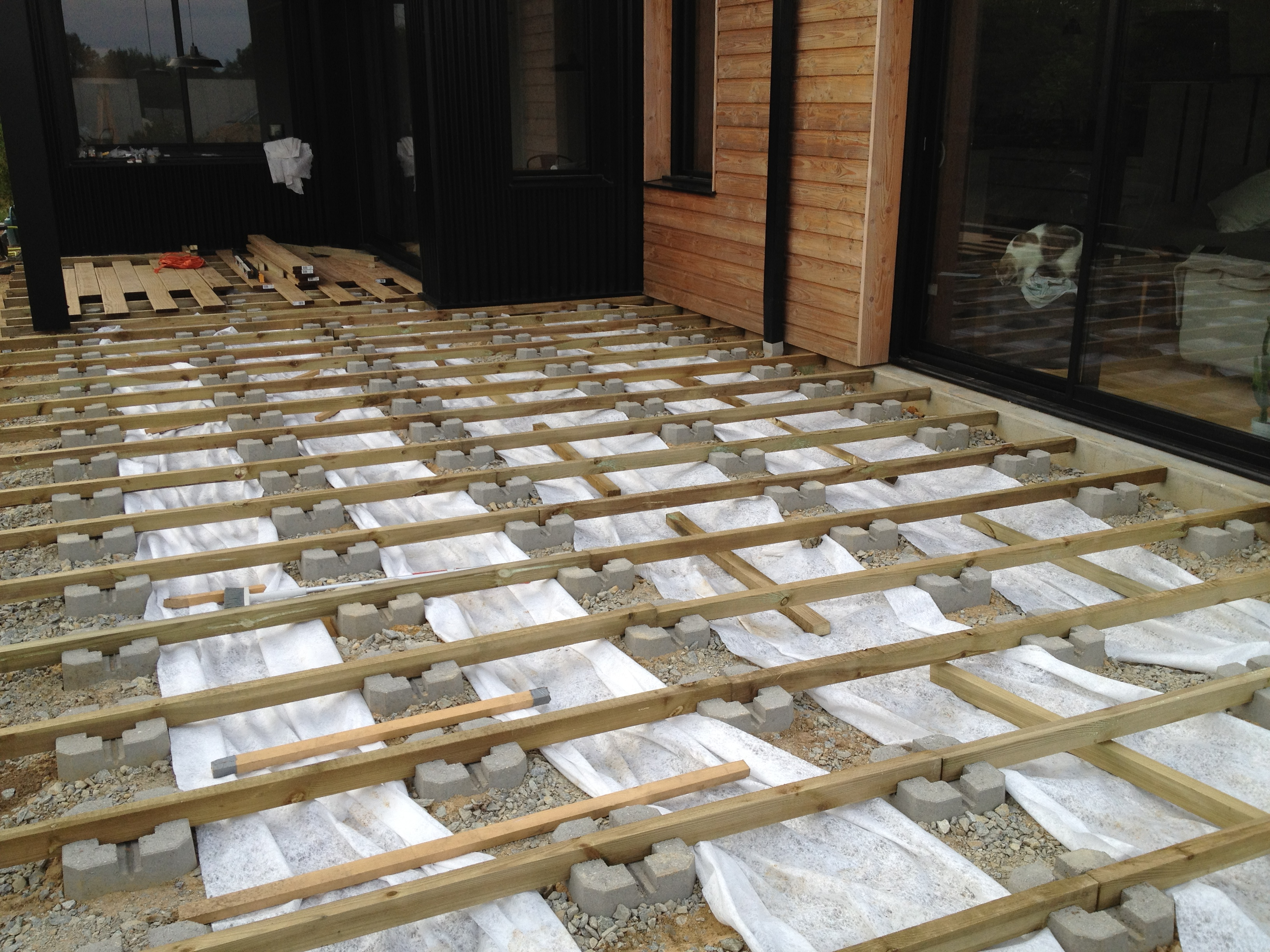 Plot beton terrasse pas cher for Dalles de terrasse sur plots