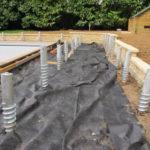 Terrasse en bois sur terre